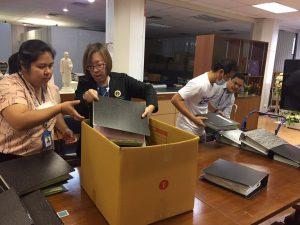 วันศุกร์ที่ 13 พฤศจิกายน พ.ศ.2563 สำนักงานสภามหาวิทยาลัยมหิดล ส่งมอบแฟ้มเอกสารประชุมสภามหาวิทยาลัยมหิดล